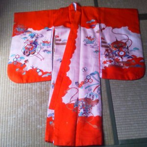 Photo5: Lovely red color and classic design. Vintage kimono for child